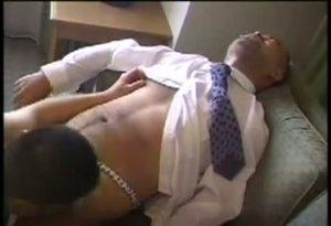 【ゲイ動画】ガチムチ髭クマぽっちゃり中年イケメンサラリーマンが褌で巨根ファックされ悶える! 剛毛リーマン