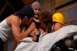 【ゲイ動画ビデオ】ガテン系イケメンの特濃3Pアナルセックス! 筋肉同士、熱く蠢く! Area21巨根性戦乱交地帯