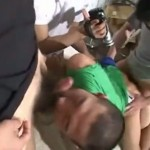 【ゲイ動画】まさに人間オナホ! 三人のオラオラ系男に拘束された筋肉坊主男児と髭筋肉男が輪姦される!