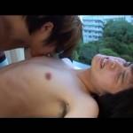 【ゲイ動画】色白の美少年が、ホテルの窓から見せつけオナニー、アナルセックス! 窓に向かって白濁フィニッシュ!