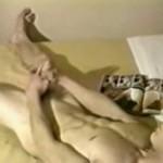 【ゲイ動画】金髪ロング白人イケメンがベッドの上でちんこを激く扱き倒す! オナニーも美少年だと耽美に見える罠!