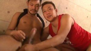 【ゲイ動画】巨根過ぎるタチの髭マッチョイケメンに緊張が隠せない筋肉イケメンが可愛いんです!