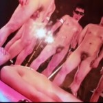 【ゲイ動画】筋肉巨根イケメンを拘束具で縛って鞭と蝋燭でマッチョ兄貴達が完全SM調教!