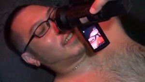 【ゲイ動画】ガチムチなクマ系眼鏡筋肉イケメンが何本もの巨根を咥え込んでエロ顔で喘ぐ!