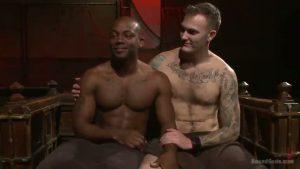 【ゲイ動画】白と黒の衝撃! 筋肉黒人イケメンをマッチョ白人が愛あるSM調教で巨根スパンキング!