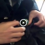 【Vine動画】教室でDKが勃起した巨根をしましまパンツ越しにこっそり見せつけw