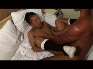 【ゲイ動画】巨根自慢の筋肉マッチョイケメンが海でオナニーしたり特濃ファックでバキュームフェラ! ManQuest6