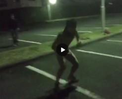 【Vine動画】ジャニーズ系スリム筋肉イケメンの妖精が公園で全裸スケボーw