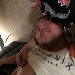 【ゲイ動画】酔ってご機嫌おにぎりフェイスのガチムチクマ系短髪イケメンのケツマンコを巨根で串刺しにしてみたw