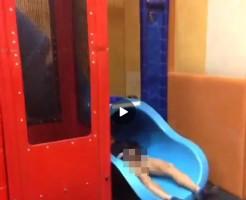 【Vine動画】早朝マックで巨根ぶらぶらさせてはしゃぐ、やんちゃ系筋肉イケメンw