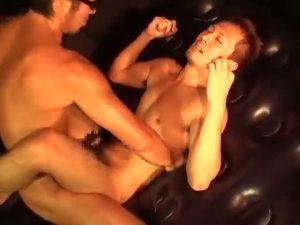 【ゲイ動画】正常位巨根ガンハメされながらマッスルポーズを決める淫乱筋肉マッチョ!