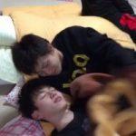 【Vine動画】毛布をめくれば即熱いキス♪ ジャニーズ系美少年たちのお戯れ♪
