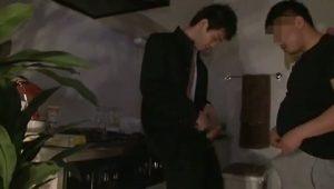 【ゲイ動画】神待ちしていた学ランジャニーズ系筋肉Dkを自宅へ連れ込み、アナルを巨根で抜き差しファック!