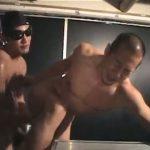 【ゲイ動画】逆三角形体型が見事なゴリマッチョ坊主イケメンが筋肉ゴーグルマンの激震ピストンに痙攣絶頂!
