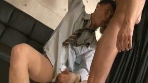 【ゲイ動画】取引先のマゾ野郎にはドSで枕営業だ! 筋肉マッチョスーツイケメンが髭のスジ筋イケメンを完全奴隷化して巨根をぶっ込む!