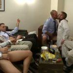 【ゲイ動画】酒を片手にオフィス会議をしてみた結果、大乱交フェラパーティにハッテンしちゃった白人イケメン筋肉サラリーマンたち! 巨根がビンビン勃起したままおさまらねぇっ!
