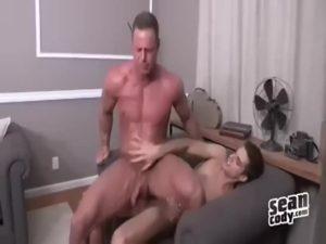 【ゲイ動画】白人筋肉マッチョ兄貴二人がイチャイチャファックで巨根汁飛ばし!射精の勢いが良すぎてセルフ顔射するレベル!