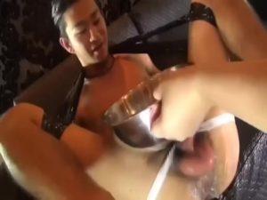 【ゲイ動画】浣腸地獄に「ヤバい!」を連発しながらケツマン噴射する髭の細マッチョイケメン!アナルにディルドをぶち込まれ巨根を痙攣させる!