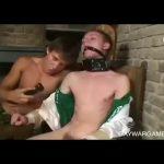 【ゲイ動画】筋肉マッチョ白人美少年がガリガリの童顔くんを完全拘束してケツマン支配! スパンキング、射精管理する姿がBL的に耽美すぎる!