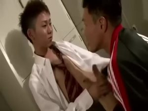 【ゲイ動画】やんちゃジャニーズ系スリム美少年に完全服従する体育教師!金を払う代わりに若い肉茎を爛れたケツマンコにぶっ込んでもらってアヘ狂う!