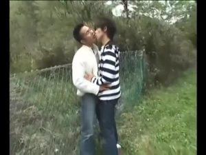 【ゲイ動画ビデオ】33歳の筋肉イケメン会社員リアルカップルが遊園地でイチャイチャ、野外フェラ、そしてホテルでソフトSMゲイセックスで大人の休日を満喫♪
