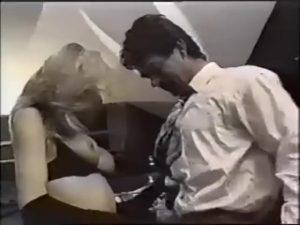 【ゲイ動画】美女との乱交かと思ったら、全員巨根が付いてたわw 外人アリアリニューハーフたちがケツマンに太すぎる男根をぶっ込まれたり、ぶっ込んだりの乱痴気パーティ!