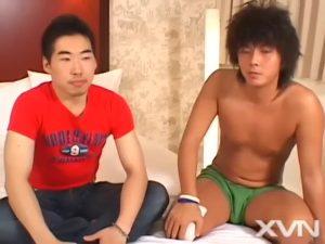 【ゲイ動画ビデオ】有名AV男優とファッションモデルの筋肉イケメンの異色ゲイセックス! 和気あいあいとした雰囲気でも本番は巨根ビンビンでのマシンガンピストンと濃厚です!