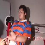 【ゲイ動画】男にしゃぶられ嫌そうな顔、巨根をケツマンにぶちこまれ痛そうな顔とリアルなノンケ反応を見せすぎる筋肉マッチョイケメンラガーマン!