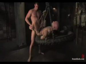 【ゲイ動画ビデオ】自白するまで坊主野郎のケツマンファックを止めない、それがガチムチ筋肉イケメンカウボーイの流儀!
