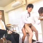 【ゲイ動画】筋肉イケメンダンディ教師が二人のジャニーズ系スリム美少年に巨根を使ってゲイセックスを教える3P保健体育授業を開く!