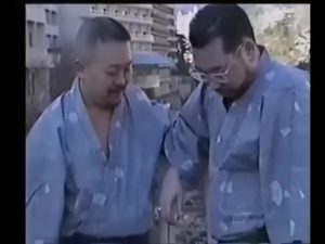 【ゲイ動画ビデオ】中年親父のしっぽり温泉旅行♪ ガチムチ系ダンディ、ぽっちゃりクマ系親父がイチャイチャと巨根をハメハメしちゃうんです♪