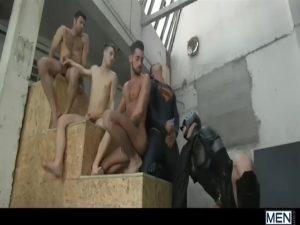【ゲイ動画】筋肉マッチョイケメン外人の正体はマー●ルヒーロー! ムキムキ筋肉野郎、マッチョダンディイケメンが巨根をぶっ刺し腰振り合うカオス!