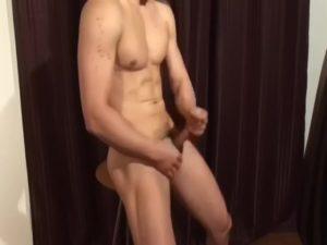 【ゲイ動画ビデオ】腹筋ムキムキガチムチマッチョイケメンをタオルで目隠しして手コキや乳首舐め、バキュームフェラで悪戯しちゃいます♪