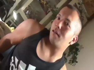 【ゲイ動画ビデオ】強面だけどハーフ顔のノンケ筋肉マッチョイケメン君がオナニーして手コキされ、ザーメン噴出!