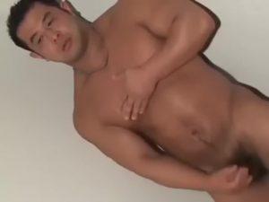 【ゲイ動画】ガチムチマッチョな中年親父がオラオラ系兄貴に杭打ち巨根掘削されてマゾに目覚めて淫らなおねだり!