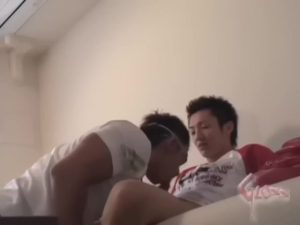 【ゲイ動画ビデオ】オナニー我慢で五日間、溜めに溜めたザーメンを初めてのゲイセックスでぶっ飛ばすEXILE系筋肉イケメンくん!