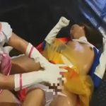 【ゲイ動画】正義の味方のスーパーガールはチンポ付のアリアリニューハーフ! 同士の女の子に逆レイプされ昇天!