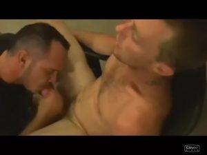 【ゲイ動画】巨根からザーメン汁がぶっ飛び! 筋肉イケメン外国人たちの射精の瞬間を集めたオムニバス!