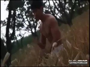【ゲイ動画ビデオ】魅惑のマッチョボディを持つアジア系筋肉イケメン二人が、イチャイチャとグラビア撮影! 謎のコンセプトてんこ盛りで興味深いw