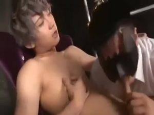 【ゲイ動画ビデオ】蕩けるようなジャニーズ系スリム美少年のほっそりとした肉体を蹂躙する中年マッチョリーマンたち! ケツマンをガン堀りされ「きもちいいっ」と絶叫!