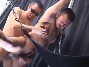【ゲイ動画ビデオ】とび職のやんちゃ系筋肉イケメン坊主くんを立ちバックでガン突きし、びゅっとザーメンを押し出すマッチョ兄貴!