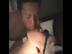 【ゲイ動画】物欲しそうにヒクついてる二つのケツマンをダブル調教! 全身につばをかけられながらアヘ堕ちするスリ筋イケメン肉奴隷!