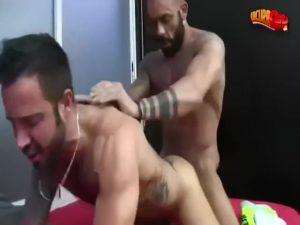 【ゲイ動画ビデオ】おっさん同士のイチャイチャはいいね! 筋肉マッチョイケメン外国人の激しいゲイセックス!