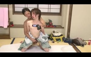 【ゲイ動画ビデオ】ジャニーズ系スリ筋美少年と温泉イチャイチャデート♪ マッサージしてたら巨根がもっこり大きくなって……♪