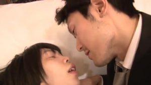 【ゲイ動画】公園で出会った筋肉イケメンリーマンに一目惚れしたジャニーズ系スリ筋美少年DK、誘ってホテルでエッチにハッテンしちゃいました♪