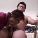 【ゲイ動画】見るからにやんちゃっぽい筋肉髭イケメンノンケが、ゴーグルマンにバキュームフェラされたりローション手コキでイクイク!