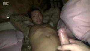 【ゲイ動画ビデオ】渋谷にいそうなジャニーズ系スリ筋美少年を夜這いしぶっかけゲイセックス! 自ら腰振っちゃういやらしいやんちゃ系!