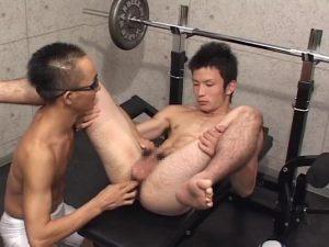 【ゲイ動画ビデオ】ノンケの筋肉イケメンがスジ筋ゴーグルマン相手にケツマン巨根挿入したりされたりのリバセックスを初体験!