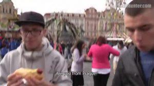 【ゲイ動画ビデオ】美しいヨーロッパの町並みを背景にナンパしたガチムチマッチョイケメン外国人に野外フェラをしてもらった件♪