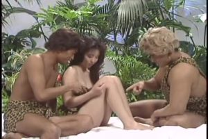 【ゲイ動画】ガチムチマッチョイケメンの男二人が美女を3Pで犯すノンケセックス! 全体的に漂うバブルな香りが癖になる~www